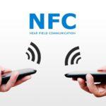 Locandina con due smartphone e la scritta NFC